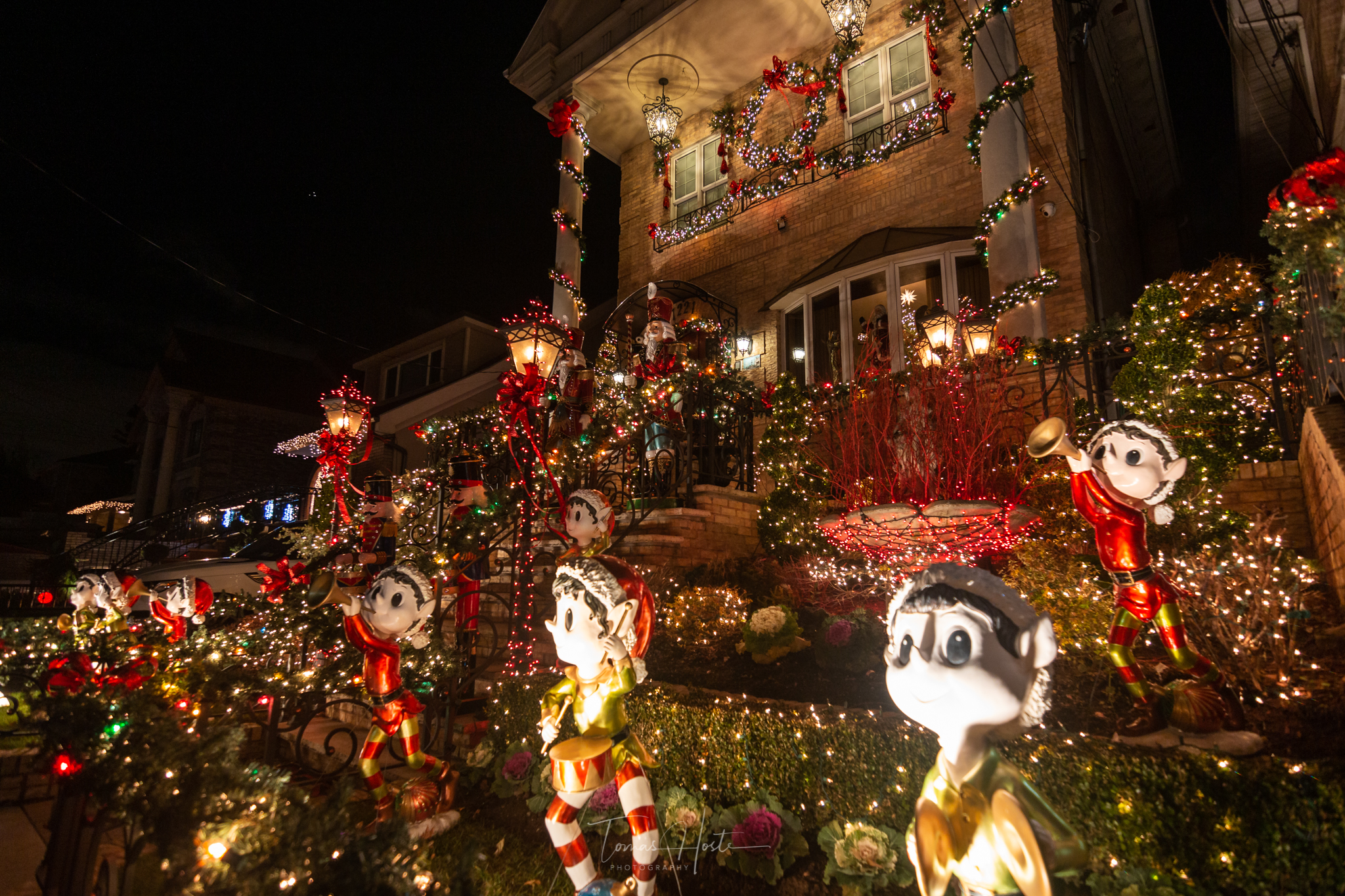 Best Place To See Light Decorations At Christmas